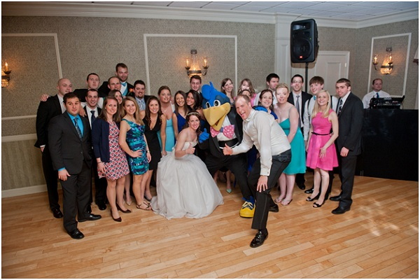 Tips for great group shots at weddings