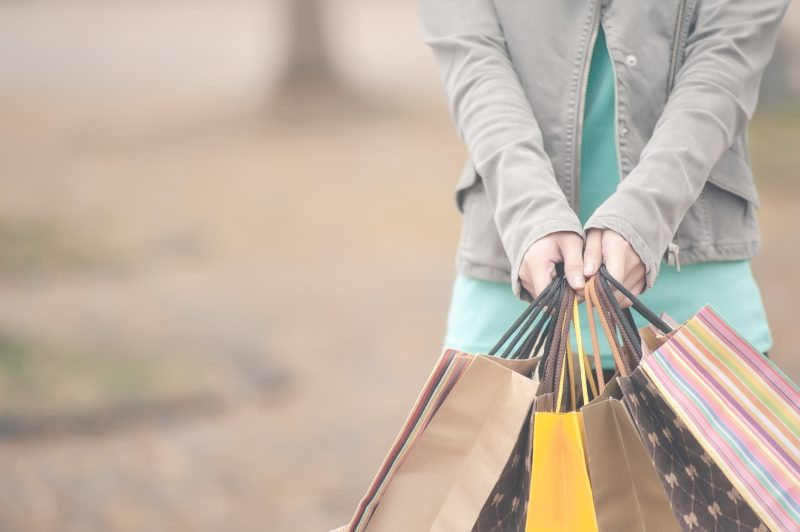 The mobile is already an inseparable tool for consumers during their off-line purchases